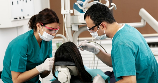 Five Secrets To Becoming The Ultimate Dental Assistant